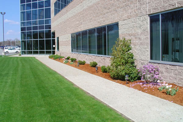 grounds maintenance company North York