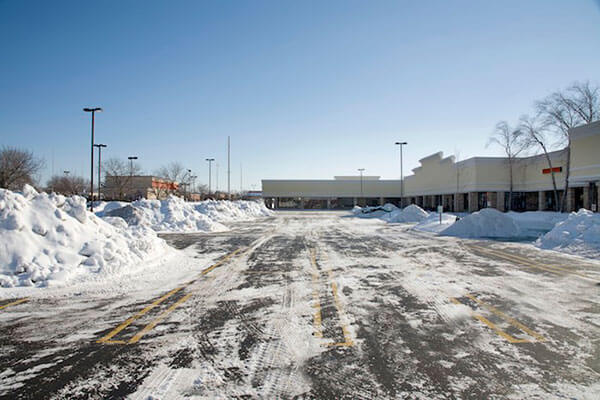 retail snow clearing Mississauga Ontario